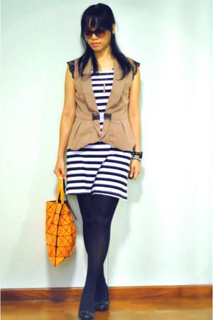 camel no brand vest - white dress - carrot orange bao bao Issey Miyake bag