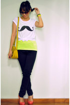 white moustache print new look t-shirt - mustard bag - black Uniqlo pants
