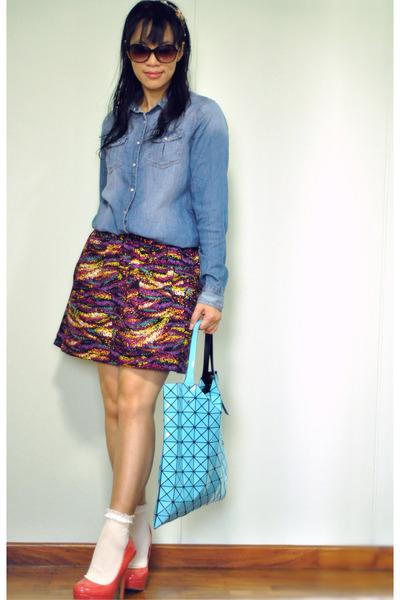 sky blue denim chambray pull&bear shirt - aquamarine Issey Miyake bag