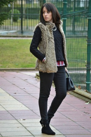 Stradivarius vest - Bershka jeans - OASAP sweater - Stradivarius shirt