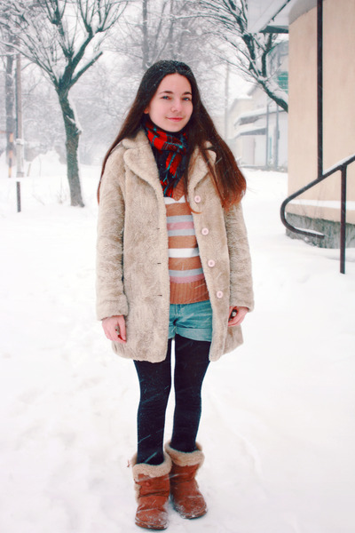 vintage coat - denim romwe shorts