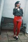 Ruby-red-vinyl-boohoo-leggings-black-boohoo-bodysuit