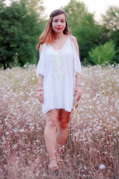 White-cotton-dresslink-dress