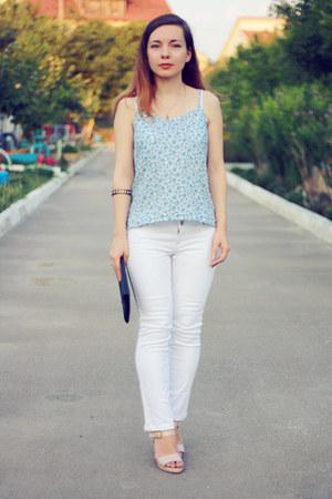 sky blue H&M top - white bay jeans