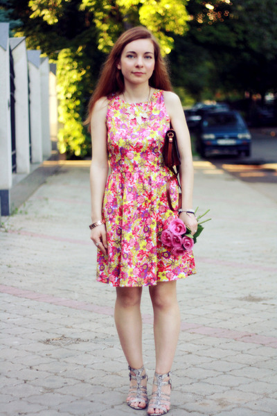 yellow cotton Poppy Lux dress - crimson leather Maxwell Scott bag