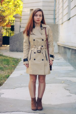 nude cotton Mango coat - burnt orange Mango boots - peach H&M dress