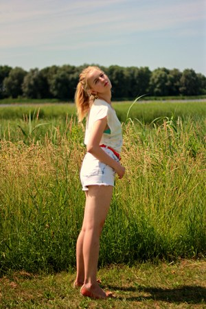 white Zara shorts - white Zara top - carrot orange H&M belt