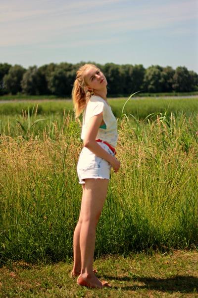 white Zara shorts - white Zara top - carrot orange H&M belt