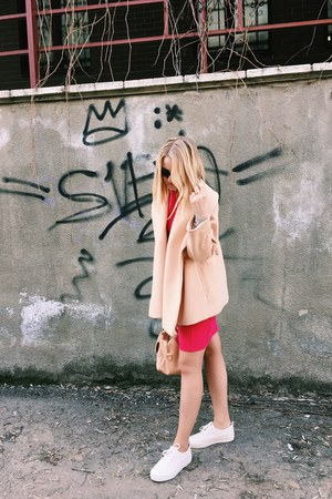 neutral Bershka shoes - hot pink dress - neutral coat - neutral Forever 21 bag