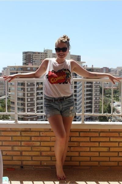 white marvel comics BikBok top - sky blue hm shorts - black ebaycom sunglasses