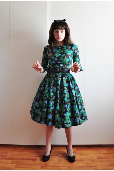 black Clarks pumps - early 60s vintage dress