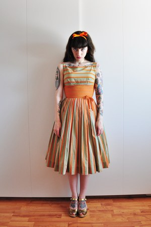50s pinstripe vintage dress - Swedish Hasbeens clogs