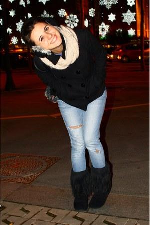 black Primark boots - Levis jeans - black Bershka jacket - cream Primark scarf