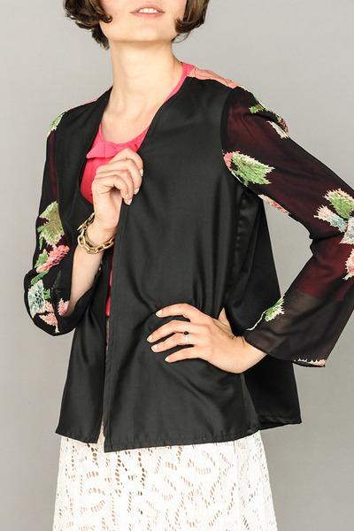 black floral Victory Vintage blouse