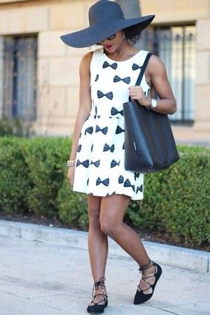 H&M dress - Old Navy bag