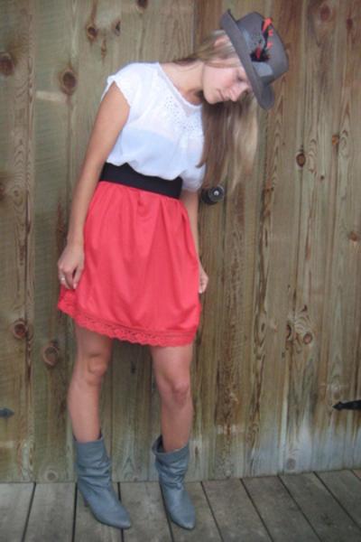 vintage skirt - vintage top - vintage hat - vintage