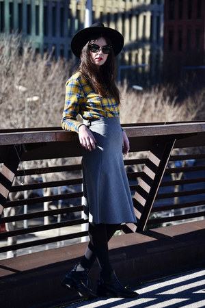 Zara boots - Mango coat - obey shirt - Miu Miu sunglasses - Zara skirt