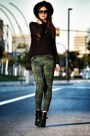 pull&bear shirt - Zara boots - Zara hat - Mango sunglasses - Sugarlips pants