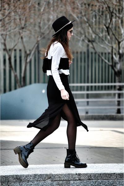 Zara hat - Dr Martens boots - Zara skirt - vivilli top