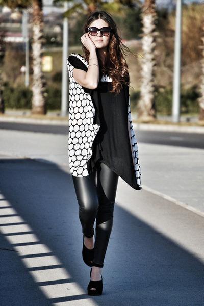 Zara pants - yuki top - hakei wedges