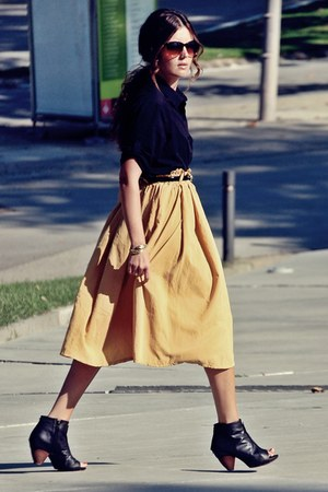 Club Couture skirt - H&M shirt