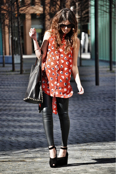 Love shirt - Zara leggings - leather Zara bag - suede hakei wedges