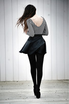 Skirt Dress in WHITE AND BLACK STRIPE