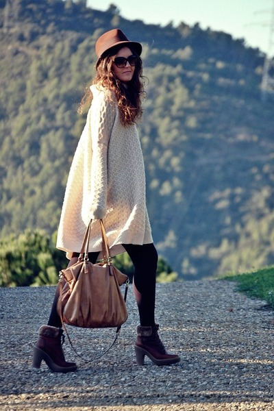 Panama Jack boots - Zara hat - Bimba&amp;Lola bag - H&amp;M jumper
