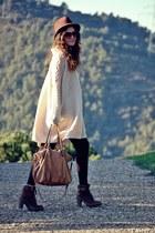 Panama Jack boots - Zara hat - Bimba&Lola bag - H&M jumper