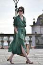 Zara-shoes-vintage-dress-mango-bag-ray-ban-sunglasses