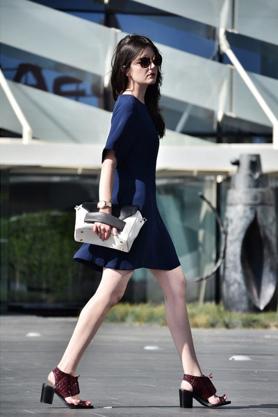 DKNY watch - Topshop shoes - Zara dress - Aïta bag - Miu Miu sunglasses