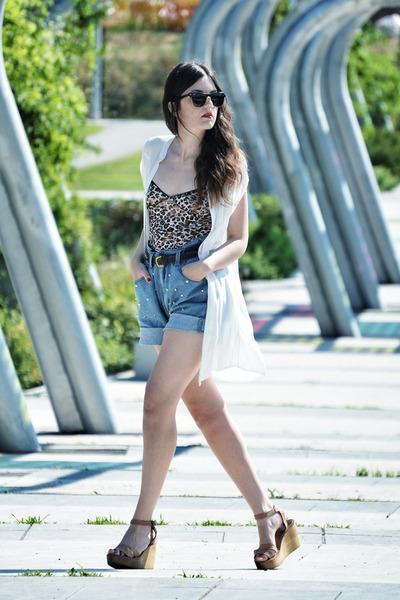 Stylish Plus shorts - Zara wedges - suiteblanco intimate