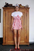 red redford skirt