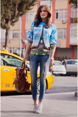 blue Fusion clothing sweatshirt - blue Bershka jeans - white Converse sneakers