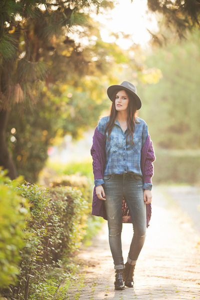 Blue-soorty-jeans-blue-bella-dahl-shirt