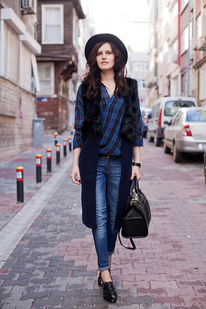 navy Sheinside vest - blue Zara shirt - black Zara bag