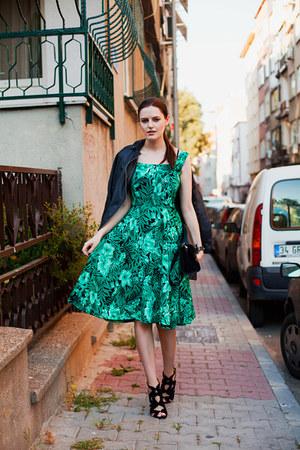 green Sheinside dress - black Zara heels