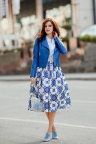 blue Adamo jacket - white Chicwish skirt