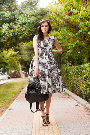 black Chicwish dress - black Chicwish bag