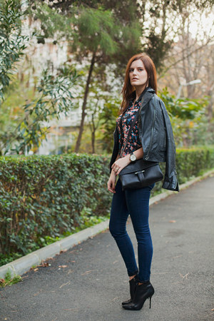 black Mango jacket - navy Pull & Bear jeans - black Zara bag