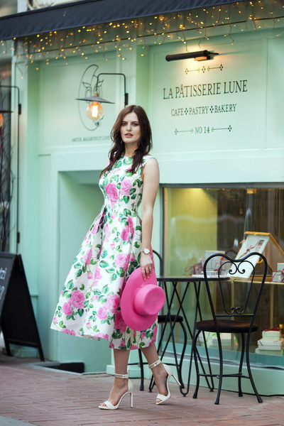 white Chicwish dress - hot pink River Island hat