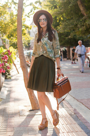 lime green Modparade blouse - olive green Chicwish skirt