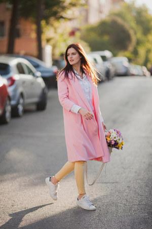 pink Sheinside coat - light yellow Stradivarius jeans