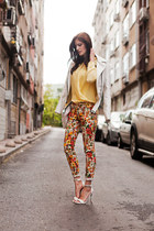 YELLOW BLOUSE AND ORANGE FLORAL PANTS