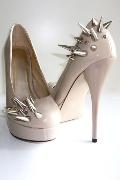 spiked Vile Broccoli Fur pumps