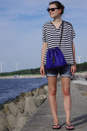 blue Zara bag - navy reserved shorts - black H&M t-shirt