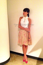 nude kate spade skirt - hot pink Manolo Blahnik shoes