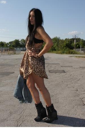 denim Miss Me jacket - Alice  Olivia boots - leopard slip vintage