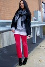 Red-limited-jeans-silver-diy-vintage-sweater-black-nine-west-wedges