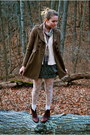 La-vintage-boots-h-m-tights-urban-outfitters-skirt-thrifted-shirt-foreve